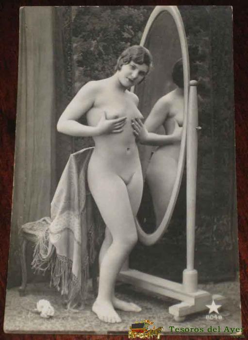 Nude girls pics hot wings